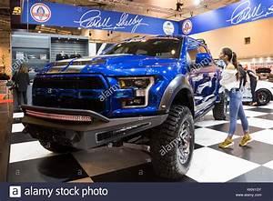 Ford Raptor 2017 Prix France : raptor show stock photos raptor show stock images alamy ~ Medecine-chirurgie-esthetiques.com Avis de Voitures