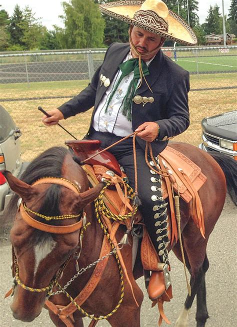 horse horses gomez miguel mexican mexico dancing training trainer thereflector boy corral equestrian he parade 11e4 1c28 center