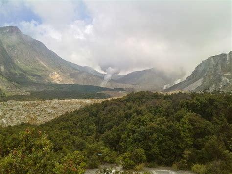 foto gunung papandayan garut info taman wisata alam