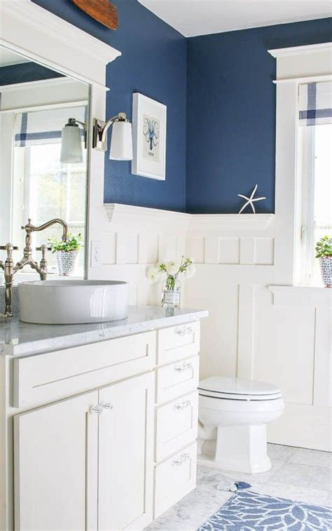 Bathroom Paint Ideas Blue by Navy Blue And White Bathroom Saw Nail And Paint