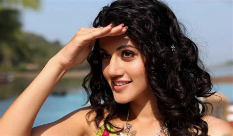Download Taapsee Pannu Hd Wallpaper For Mobile & Laptop