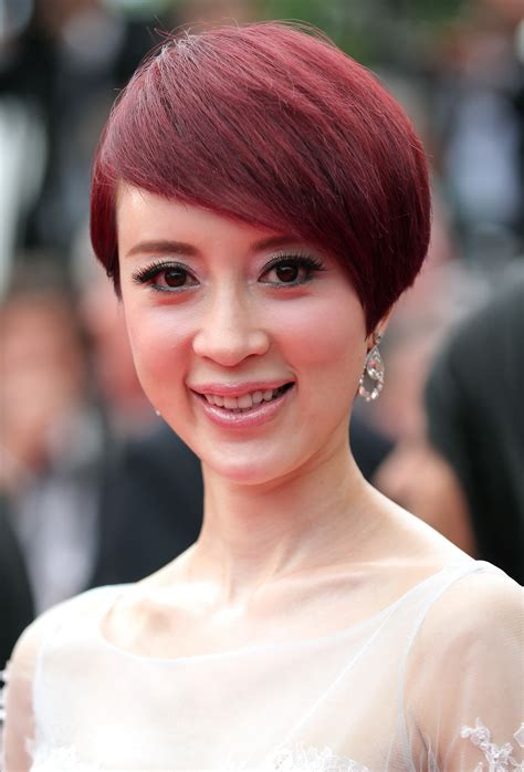 Benefits Of Hair Color by 20 Benefits Of Burgundy Hair Color Hairstyles For