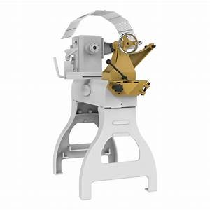 Tailstock Swing Away Clears the Way for Wood Lathe End