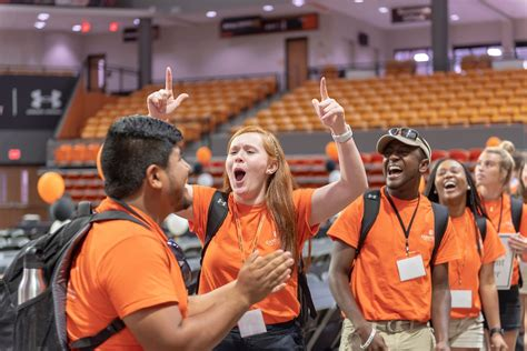 orientation leaders  year experience student