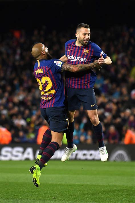 Jordi Alba, Arturo Vidal - Arturo Vidal Photos - FC ...