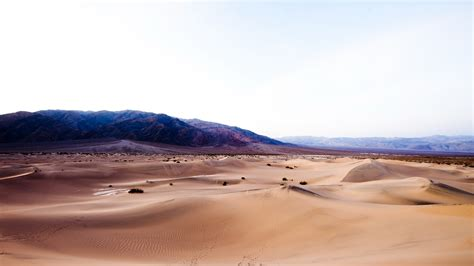 High Definition Picture Of Desert Wallpaper Of Mountain