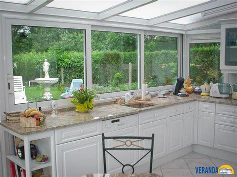 cuisine dans veranda photo davaus modele cuisine dans veranda avec des idées