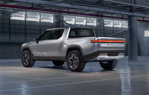 rivian rt electric truck promises insane performance