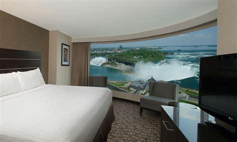 hotel suites embassy suites  hilton niagara falls canada