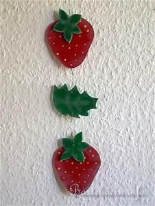 Basteln Für Den Sommer : basteln mit holz laubsaegearbeit mit vorlage sommermotiv erdbeerekette aus holz ~ Buech-reservation.com Haus und Dekorationen
