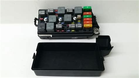 Fuse Box For 2003 Saturn Vue by Engine Fuse Box 02 03 Saturn Vue 2 2l R231181 Ebay