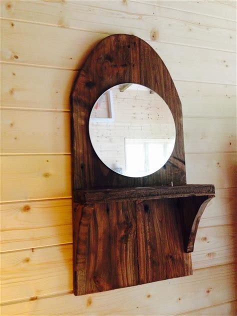 pallet wall mirror  candle holder pallet furniture plans