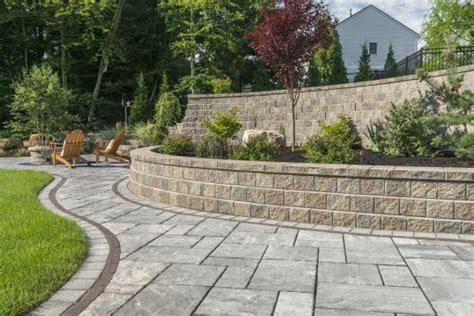 beacon hill flagstone patio   large retaining wall