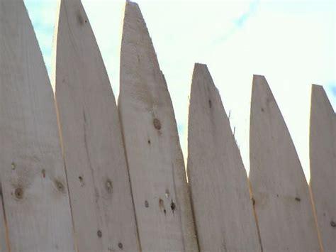 installing  fence diy