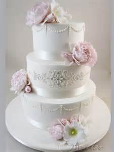 hochzeitstorten aus fondant wedding cakes wedding cake ideas 1919792 weddbook