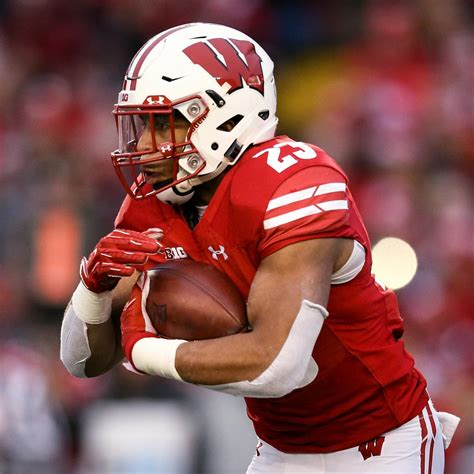 big 10 football preview and predictions for 2019 season bleacher report latest news videos