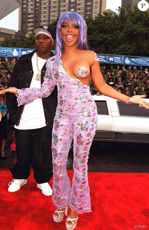 lil sur le tapis des mtv awards le 9 septembre 1999