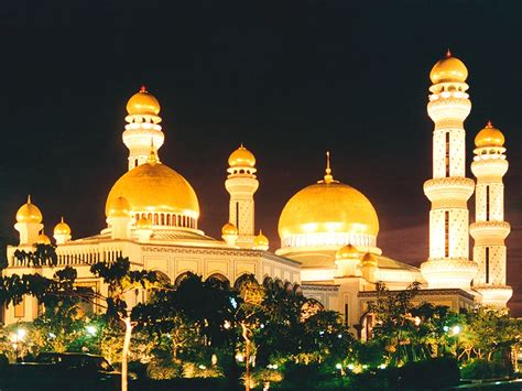 Golden Mosque Wallpaper by Beautiful Mosque Wallpaper Islamic Wallpapers