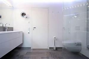 Badezimmer Grauer Boden Weiße Wand : haus ganz in weiss ~ Bigdaddyawards.com Haus und Dekorationen