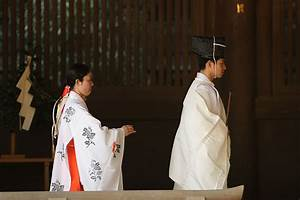 What is the White Kimono Japanese Ghosts Wear? | 百物語怪談会 ...