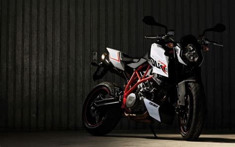 Ktm 990 Super Duke R 2013 Wallpapers