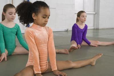 gymnastics games  girls coaching gymnastics