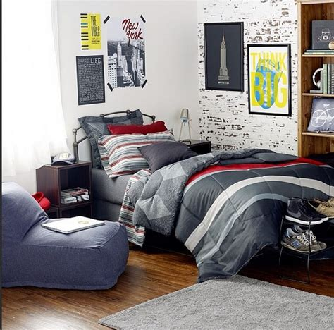 Bedroom Decorating Ideas For College Guys by Best 25 Rooms Ideas On Tips