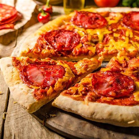 pizza cuisine az pizza au chorizo poivron et tomate à ma façon cuisine az