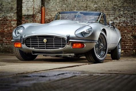 Jaguar F Type Modification by Jaguar E Type Series 3 With Headlight Cover Modification