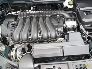2009 Volvo S40 2 4i Engine Photos