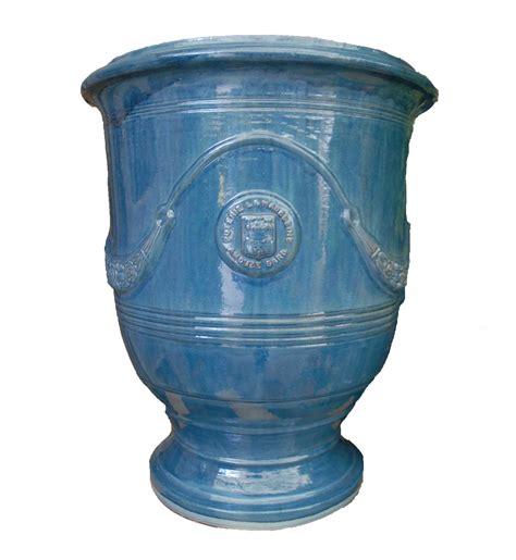 vase anduze bleu lavande eye of the day garden design center