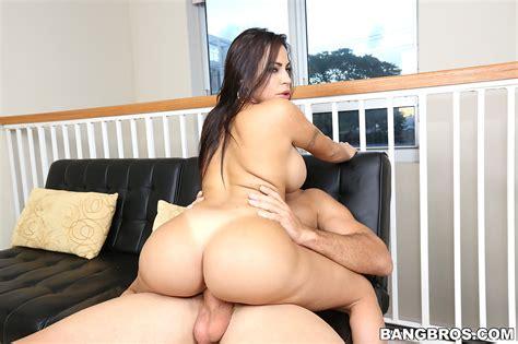 Julianna Vega Gets Railed Pichunter