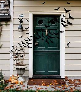 The Best 35 Front Door Decorations For This Halloween