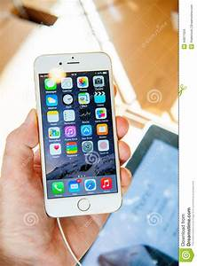 New Apple IPhone 6 And IPhone 6 Plus In Hand Editorial ...