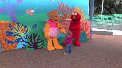 Anyone, and is especially good vs. Molly, Elmo and Zoe.mov - YouTube