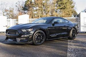 Ford Mustang Shelby Gt350 : and the ford mustang shelby gt350 ~ Medecine-chirurgie-esthetiques.com Avis de Voitures
