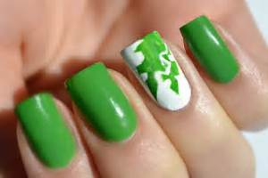Acrylic nail designs green stilettos pictures to pin on