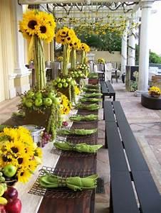 Tischdeko Mit Sonnenblumen : tischdekoration in gelb gr nen farben f r eine festliche ~ Lizthompson.info Haus und Dekorationen