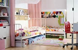 Kinderzimmer Kleiner Raum : m bel kinderzimmer 39 beispiele wie sie mit farbe einrichten ~ Sanjose-hotels-ca.com Haus und Dekorationen
