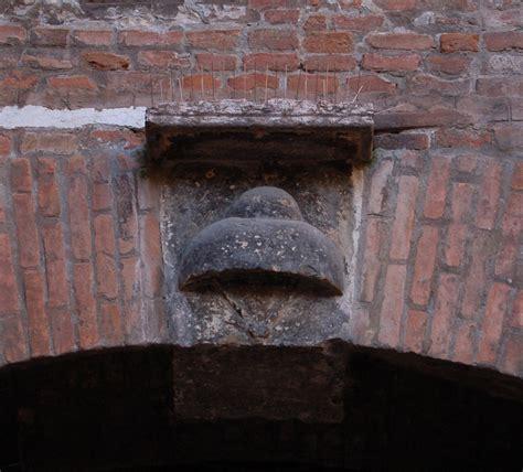 descrizione casa file casa giulietta stemma cappello jpg