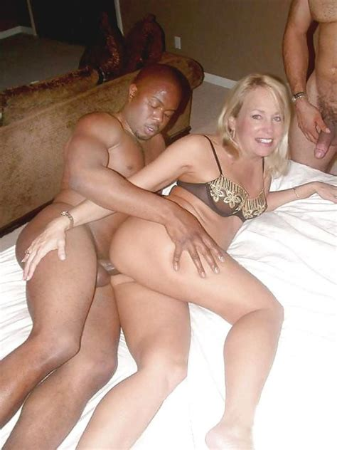 Caught Mature Housewife In Sex With Black Men