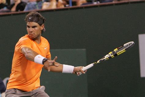 What grip size does Nadal use