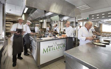 cuisine chalet montagne découvrir la vie en cuisine d 39 un restaurant triplement étoilé