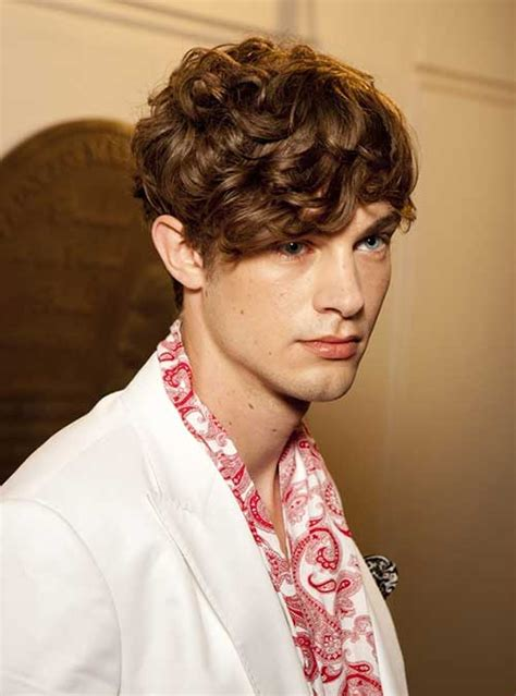 Brown Hair On Guys by Wavy Hairstyles For Guys Mens Hairstyles 2018