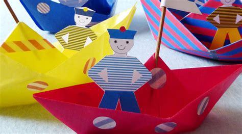 Résultat d'images pour bateau de papier