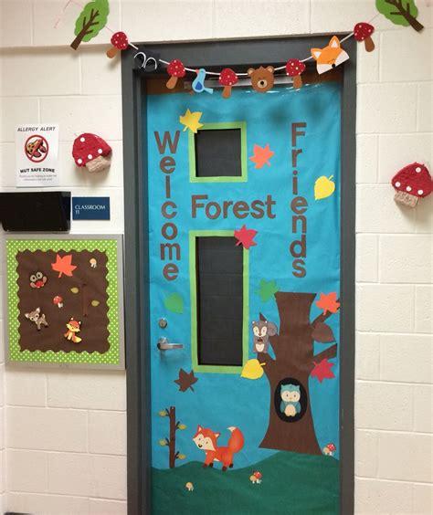 preschool woodland animal door school ideas forest 404 | 77f18b24759aec39ab0d4a4cec5227c5