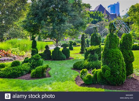 The Garden Columbus Ohio by The Topiary Garden Park In Columbus Ohio Sits On The