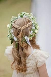 Couronne De Fleurs Mariage Petite Fille : 56 id es pour choisir et faire la plus jolie coiffure de mariage pour petite fille coiffure ~ Dallasstarsshop.com Idées de Décoration