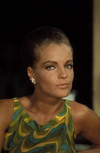 Bild Girl Romy : 1000 ideas about romy schneider on pinterest alain delon delon and actresses ~ Buech-reservation.com Haus und Dekorationen