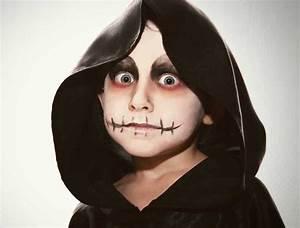 Maquillage Halloween Garçon : maquillage halloween vampire enfant maquillage pour l halloween cotillonsetdeguisements ~ Melissatoandfro.com Idées de Décoration